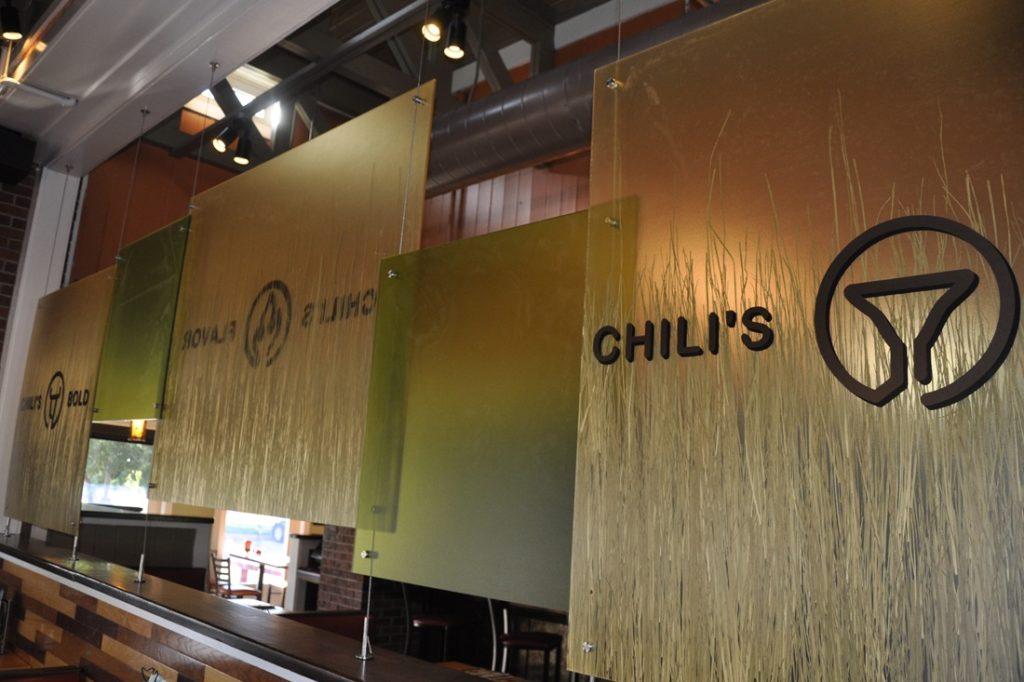 chilis interior signage