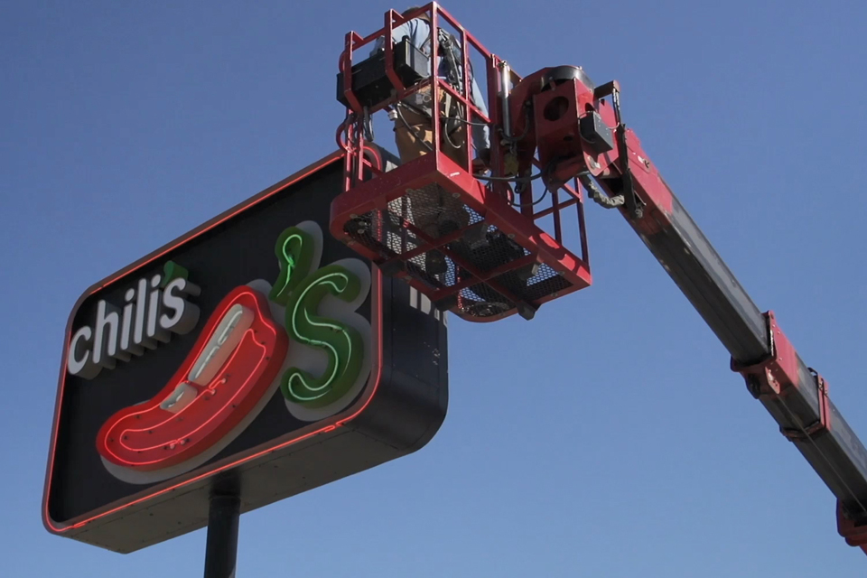 chilis cabinet sign maintenance