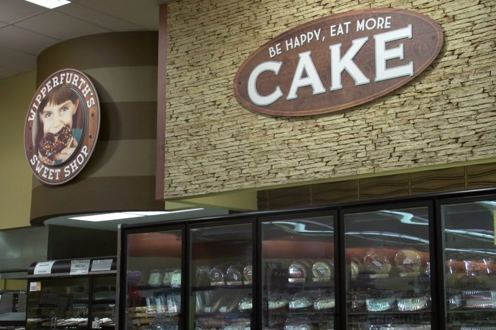 piggly wiggly cake interior printed graphic