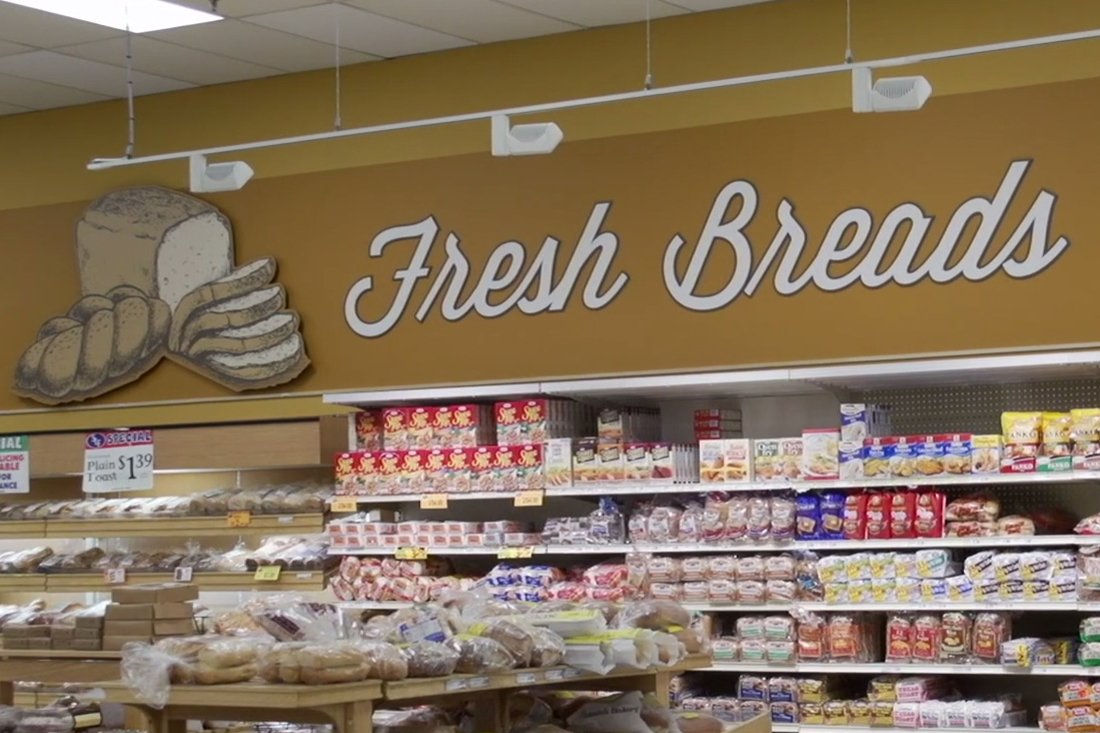 piggly wiggly breads printed graphic