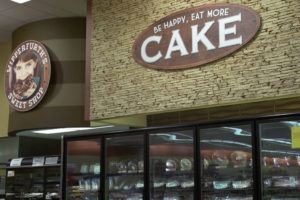 piggly wiggly cake interior printed graphics