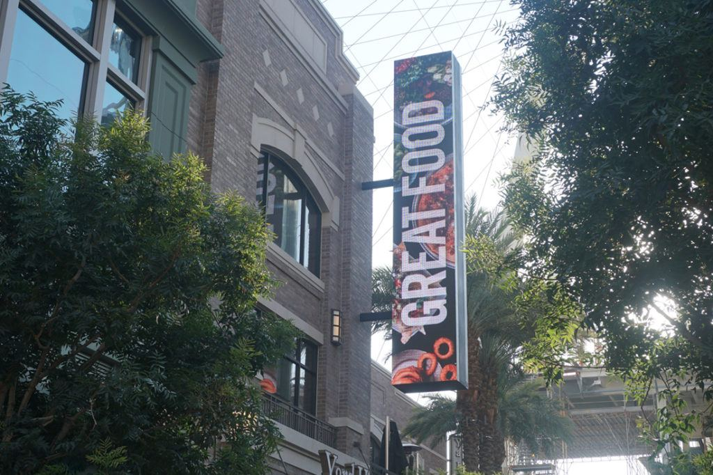 Yard House LED Sign showing great food