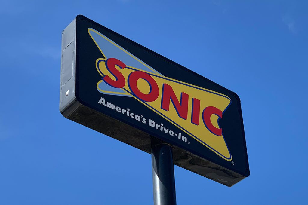 sonic cabinet pylon sign