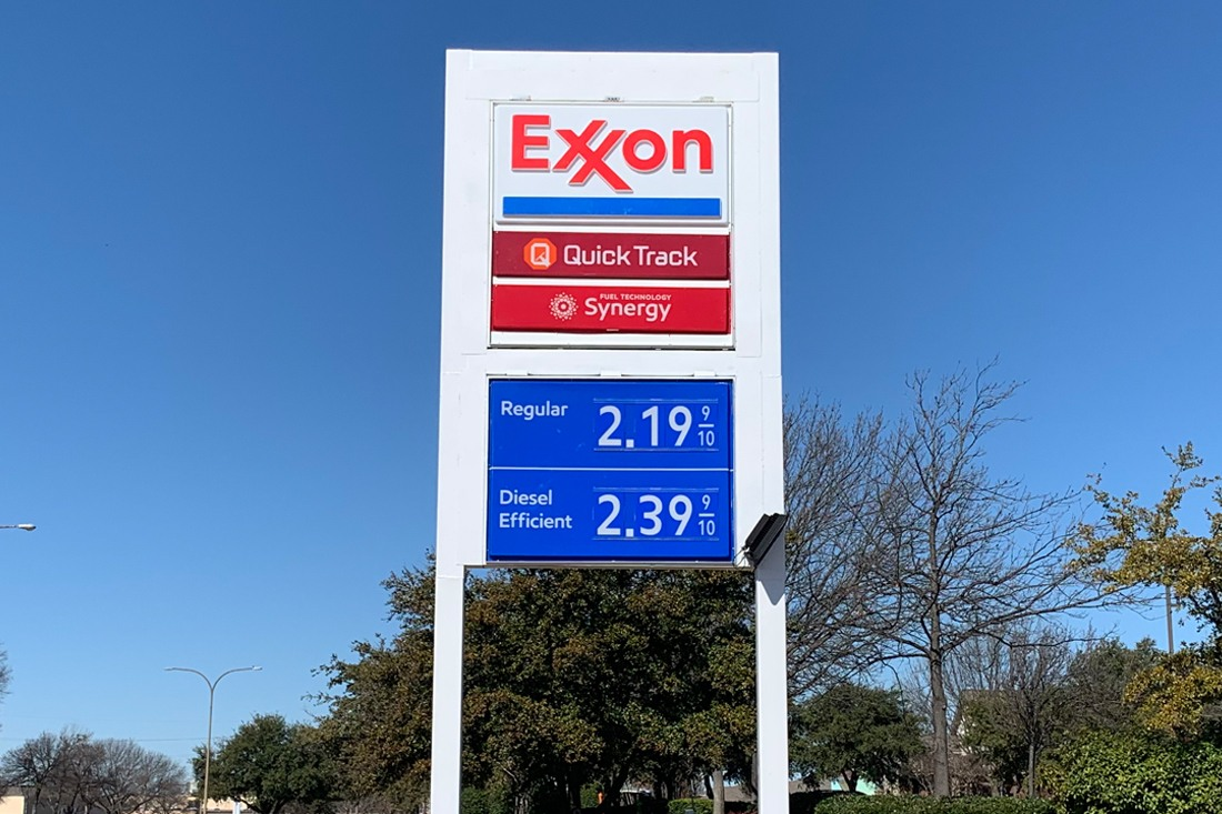Exxon Mobil Petroleum 1100x733 (10)