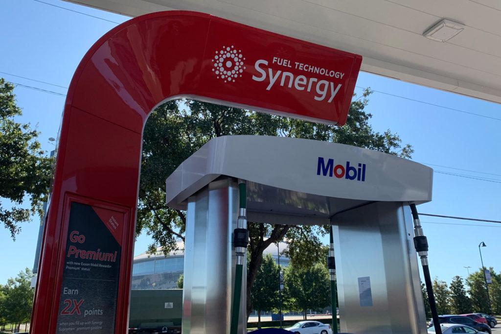Exxon Mobil Petroleum 1100x733 (18)