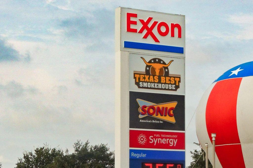 Exxon Mobil Petroleum 1100x733 (25)