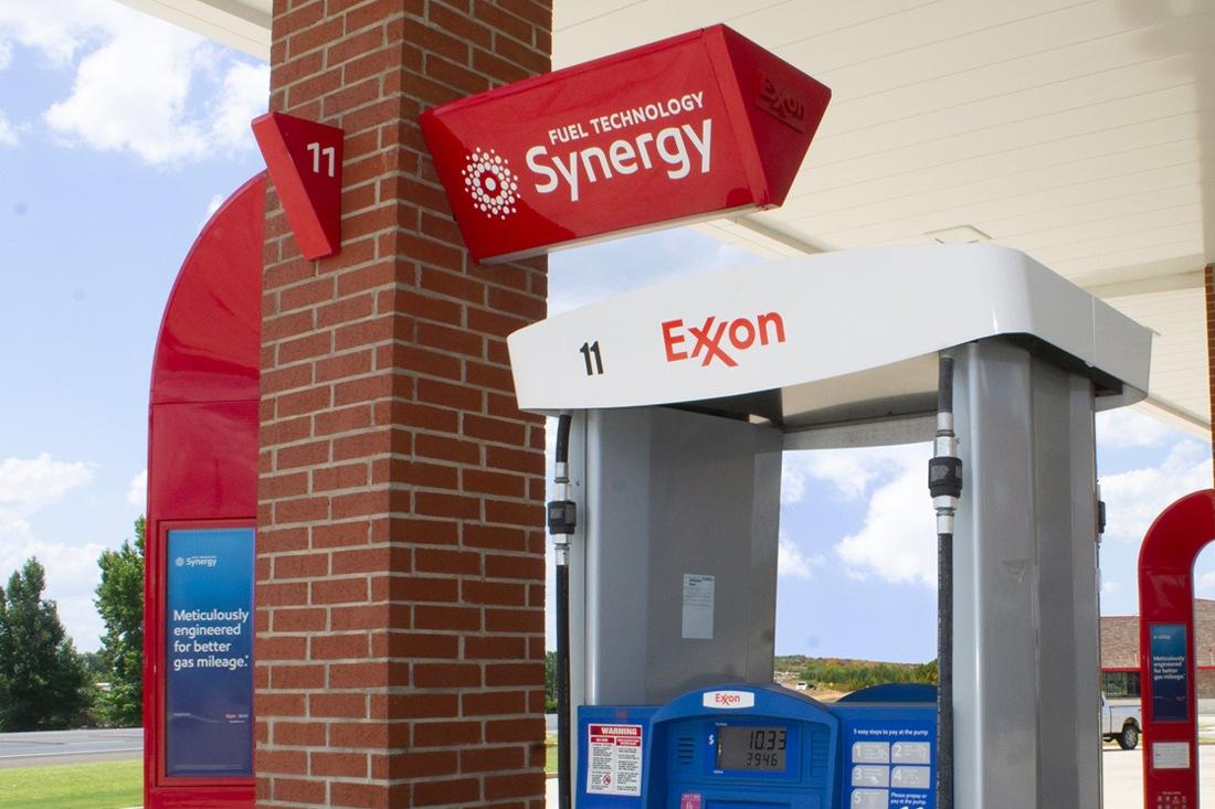 Exxon Mobil Petroleum 1100x733 (27)