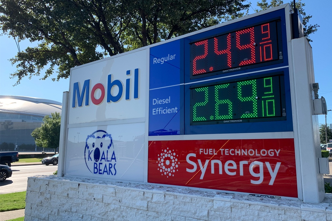 Exxon Mobil Petroleum 1100x733 (3)