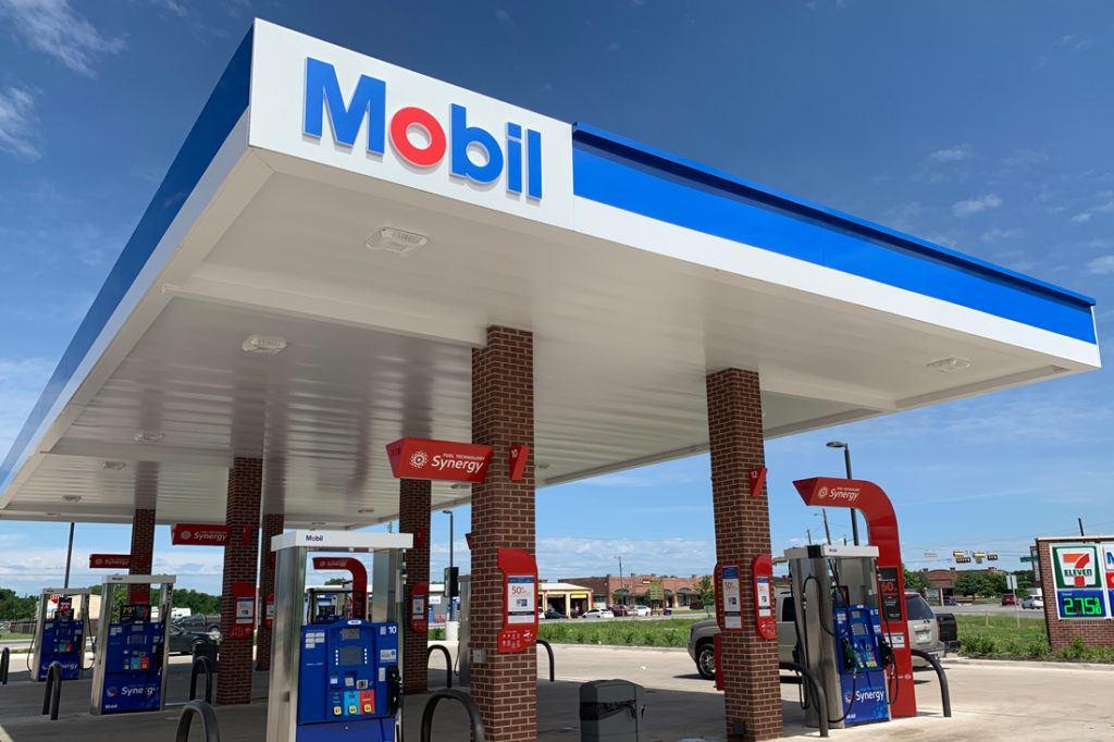 Exxon Mobil Petroleum 1100x733 (32)