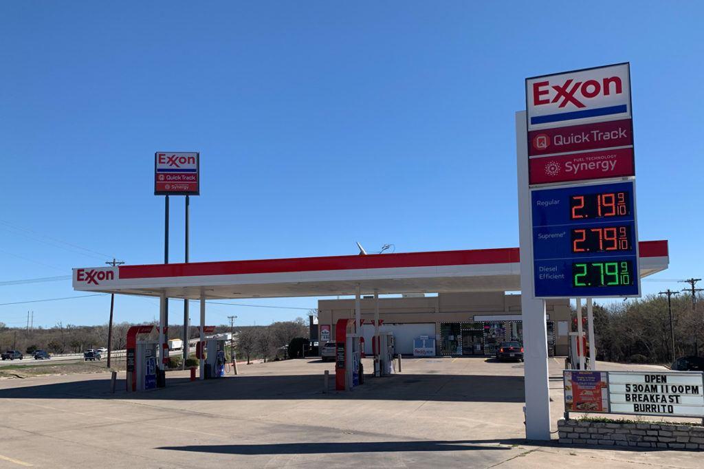 Exxon Mobil Petroleum 1100x733 (5)