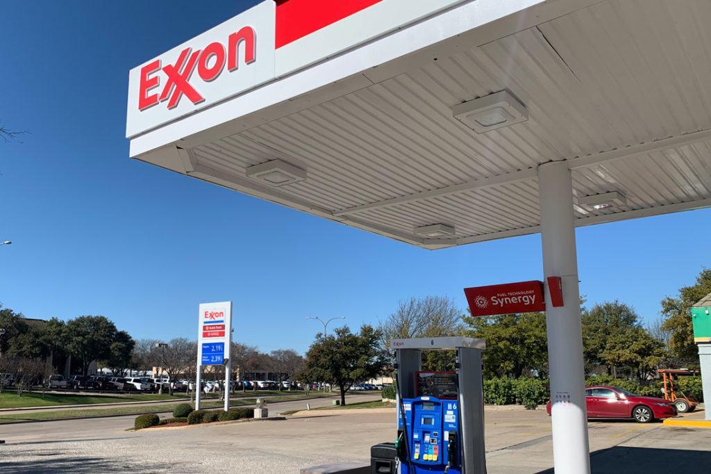 Exxon Mobil Petroleum 1100x733 (8)