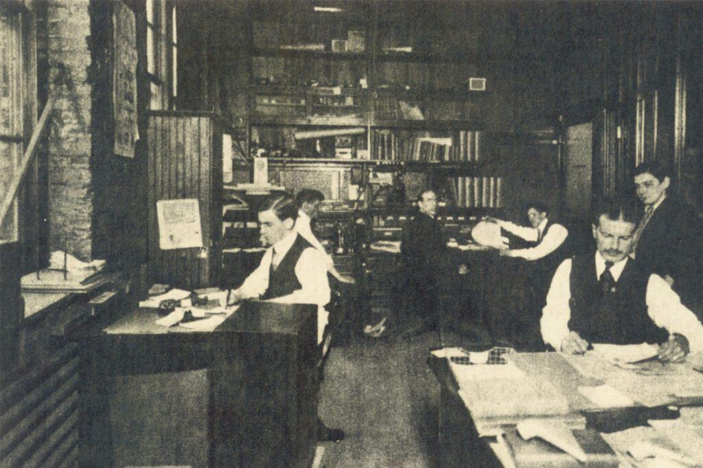 1910s-1920s-signage-vintage-photos_0000_1900 office photo A.JPG