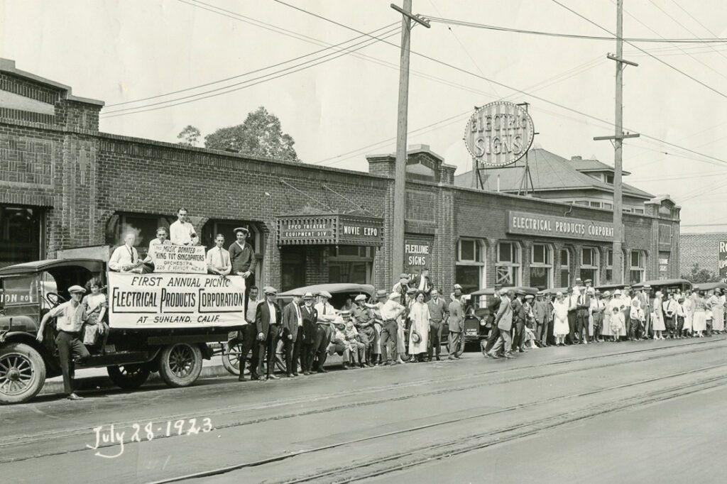 1910s-1920s-signage-vintage-photos_0010_img060.jpg