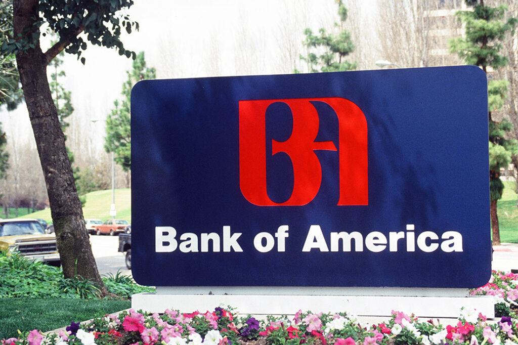 80s-90s-00s-10s-vintage-photos_0010_Bank of America