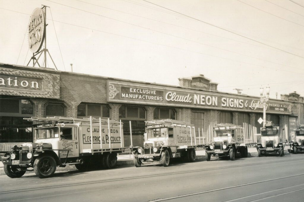 vintage-sign-photos-1930s-1940s-1950s_0000_img104.jpg