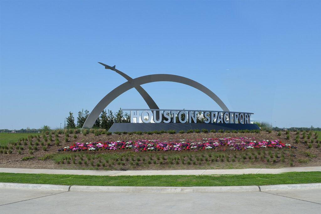 houston airport photos signage entrance custom signage large municipal_0003_hero3