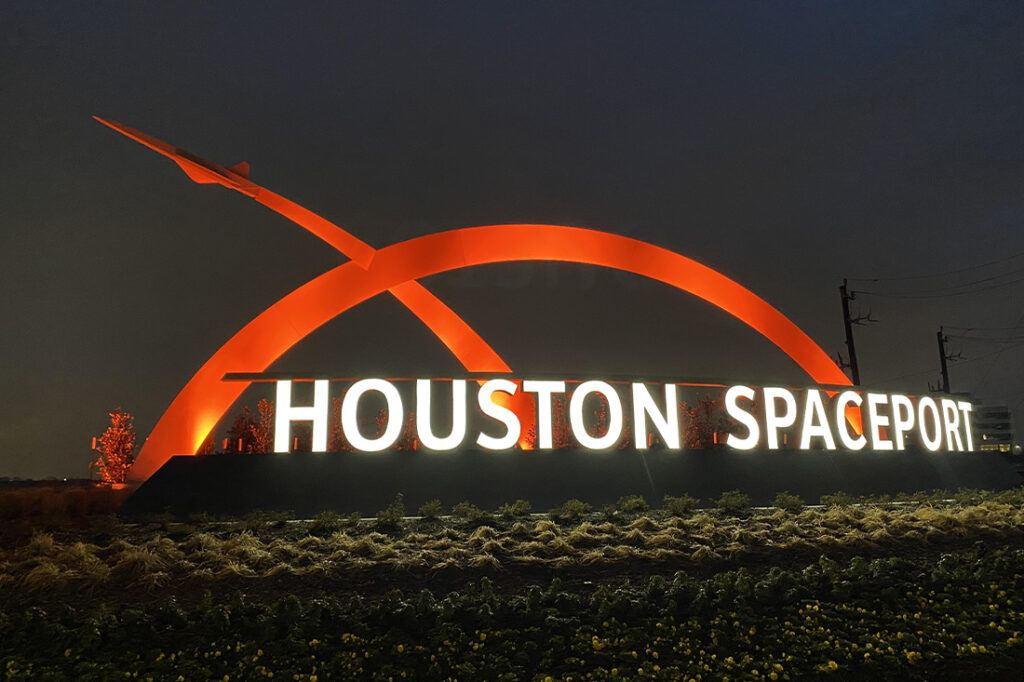 houston spaceport website photos 1100x733 colors entrance sign_0001_IMG_4181