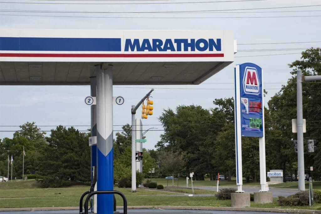 marathon-photos-website-1100x733_canopy_dispenser_column_cladding_petroleum_0012_Marathon_Canopy_Photos_Layers_Edits_JJA