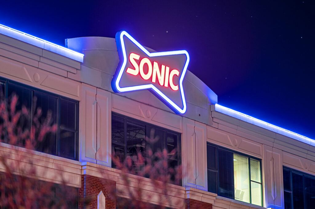 sonic corporate office signage 1100x733_0007_Layer 1