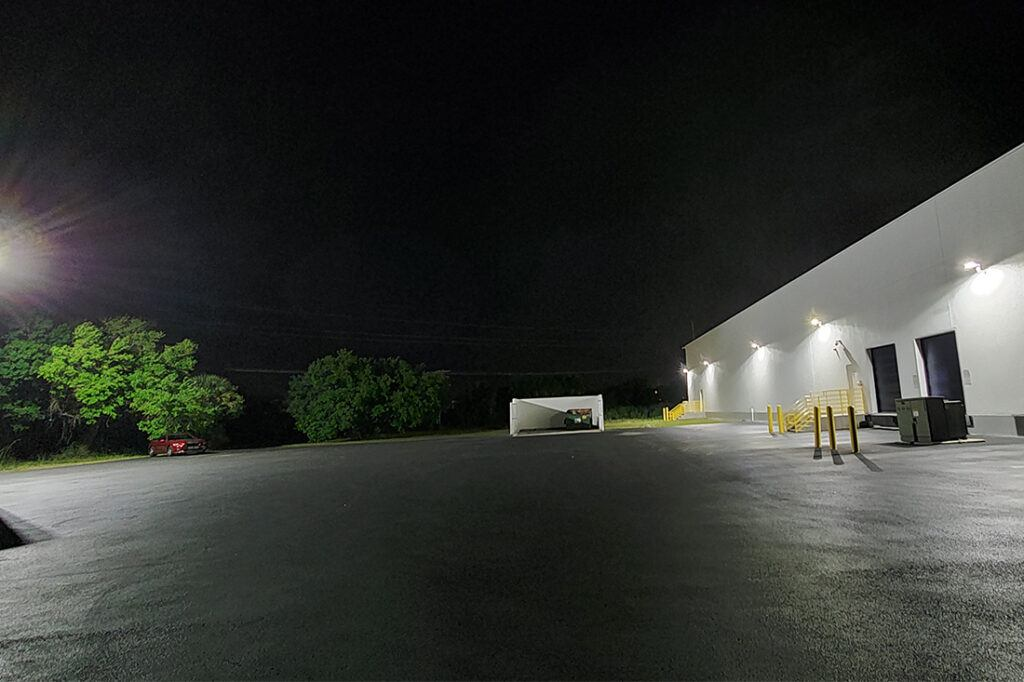 rooms to go - exterior lighting maintenance - LEDs_0003_20210322_204633